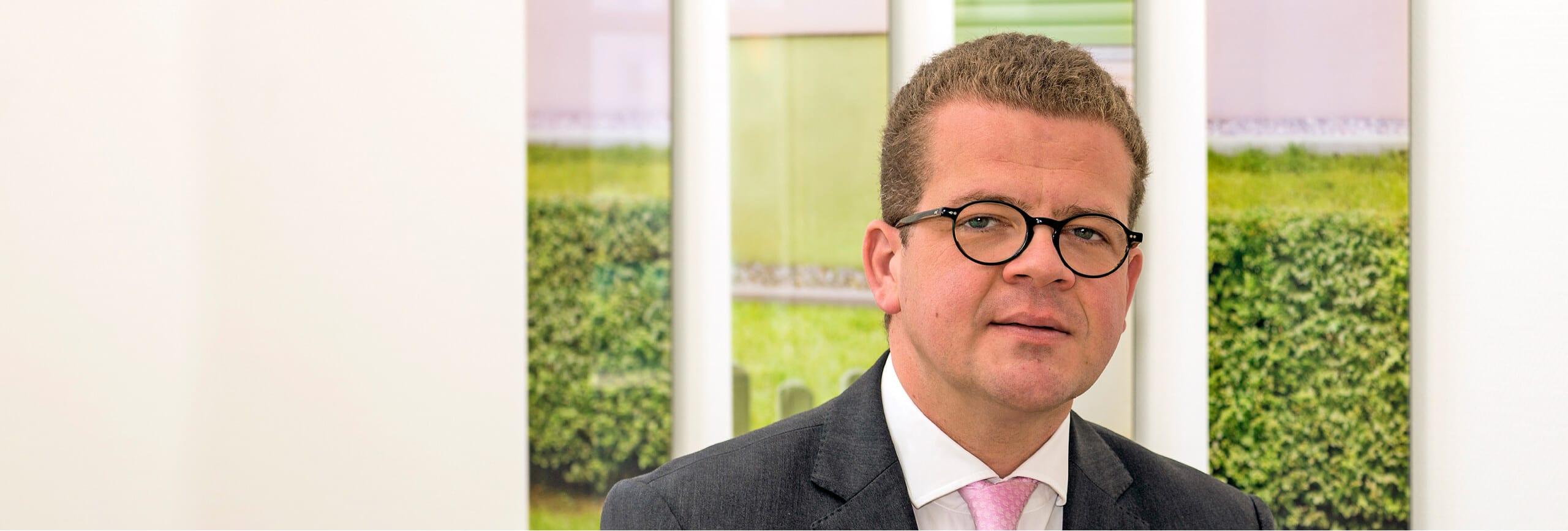 Dr. Florian Schell